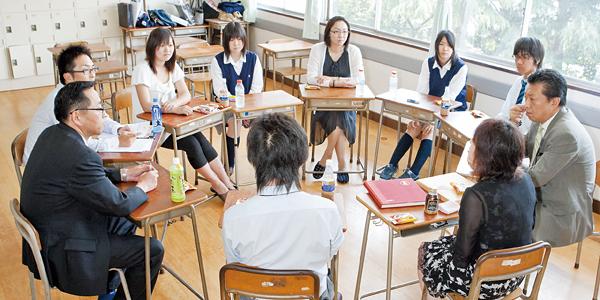 学校・生徒・保護者が三位一体となって、新しい体操服を決定する意味。