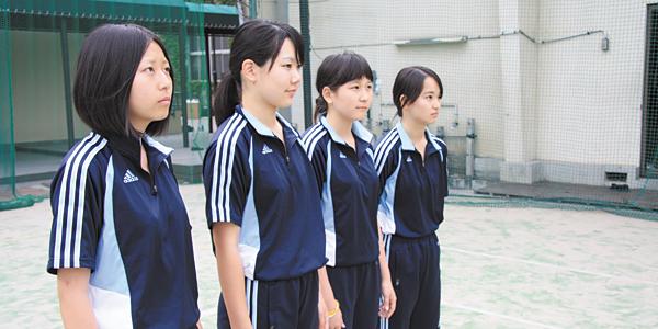 きっちりとした体操服は、集団行動の規律を生む効果があると思います。