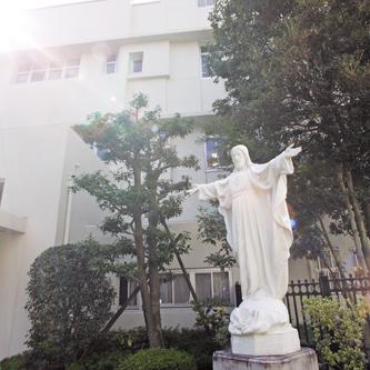 創立者聖マグダレナ・ソフィア・バラの心を継承し、キリスト教的価値観に基づく全人教育を実践
